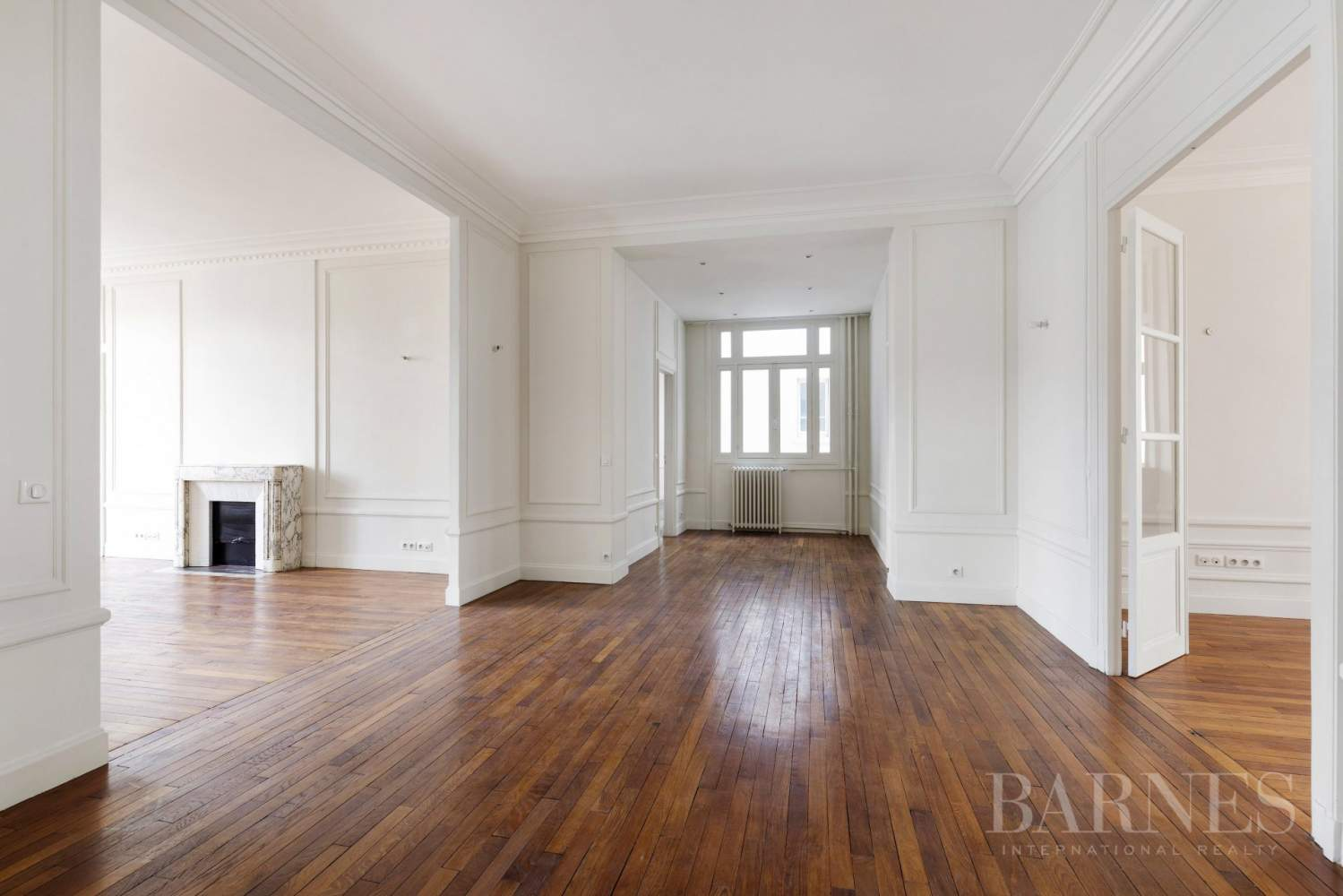 EXCLUSIVE - 8-ROOM APARTMENT FOR SALE - RENOVATED 1930s BUILDING - NEUILLY/PASTEUR picture 11