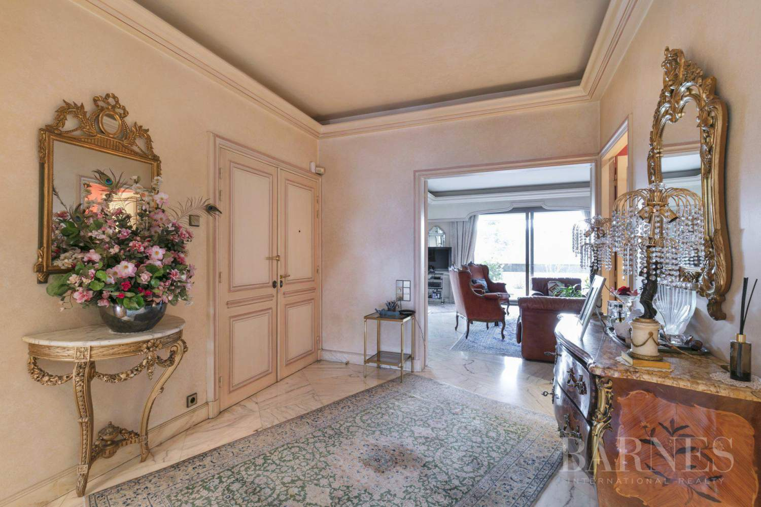 NEUILLY - BOIS - APPARTEMENT 5 PIECES - BALCONS LARGES - VUES PANORAMIQUES picture 3