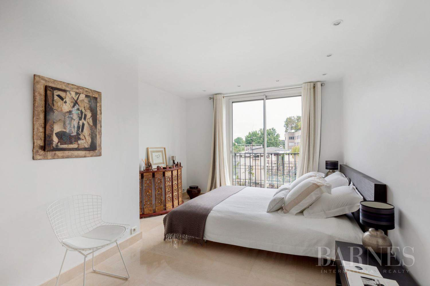 EXCLUSIVE - NEUILLY SAINT-JAMES - APARTMENT WITH RECEPTION ROOMS - UPPER FLOOR - PANORAMIC VIEWS picture 10