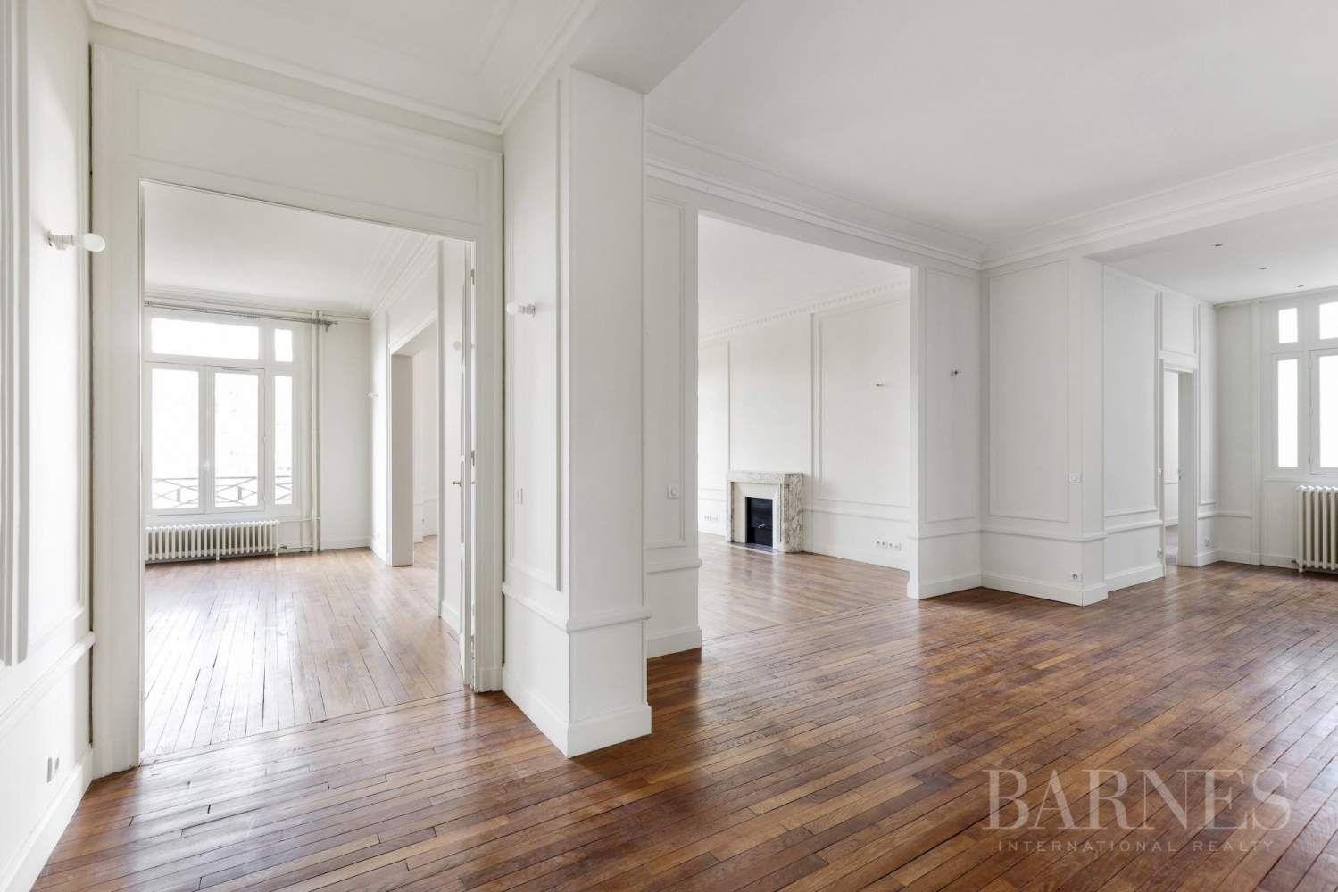 EXCLUSIVE - 8-ROOM APARTMENT FOR SALE - RENOVATED 1930s BUILDING - NEUILLY/PASTEUR picture 14