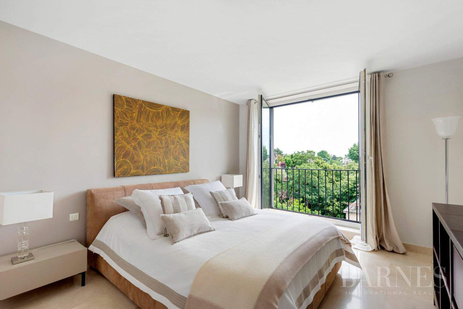 EXCLUSIVE - NEUILLY SAINT-JAMES - APARTMENT WITH RECEPTION ROOMS - UPPER FLOOR - PANORAMIC VIEWS picture 11