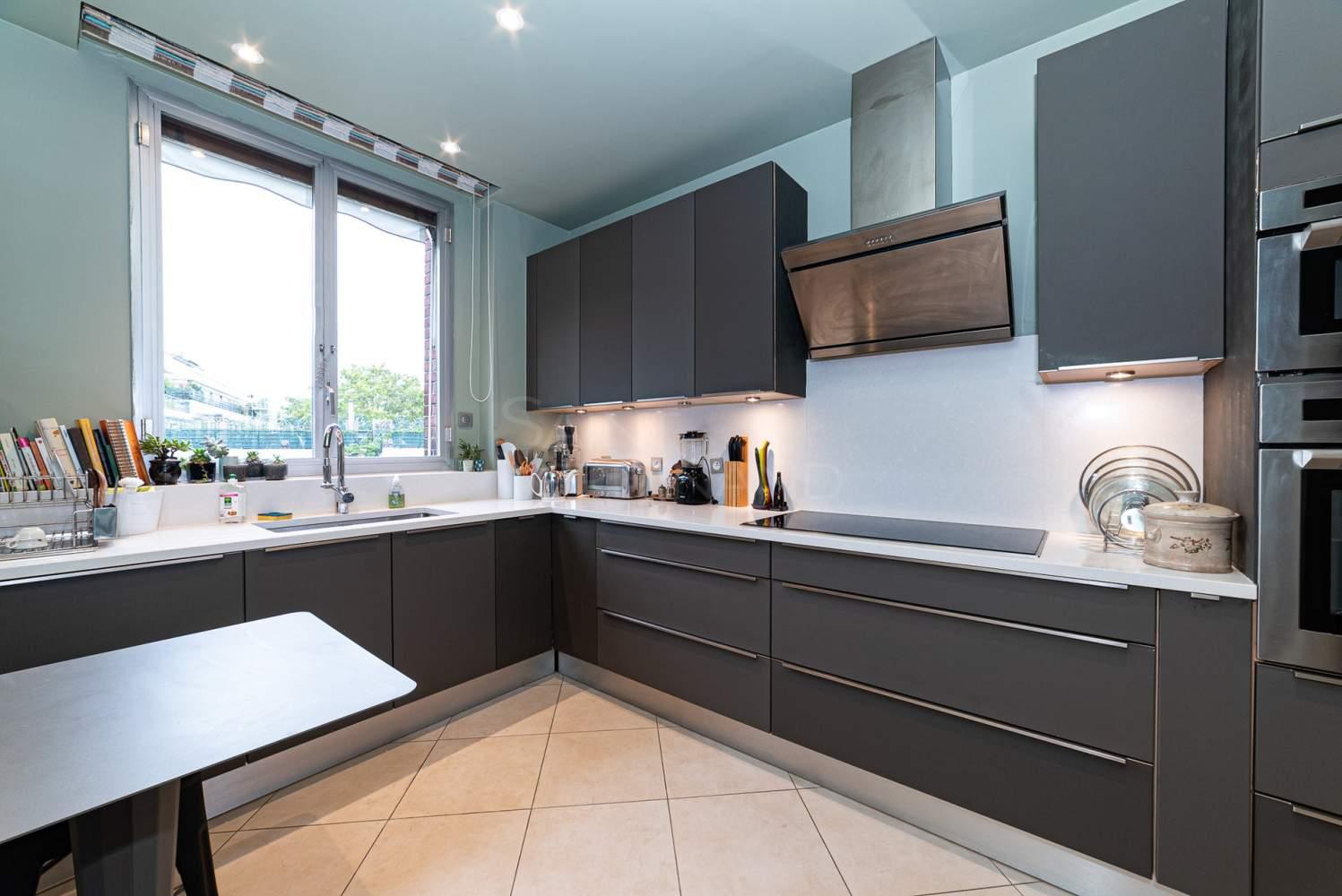 Neuilly-sur-Seine  - Appartement 5 Pièces 2 Chambres - picture 5