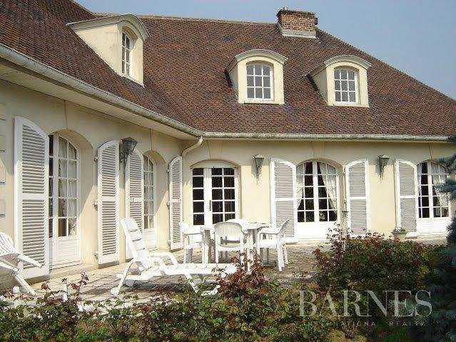 Casa Louveciennes