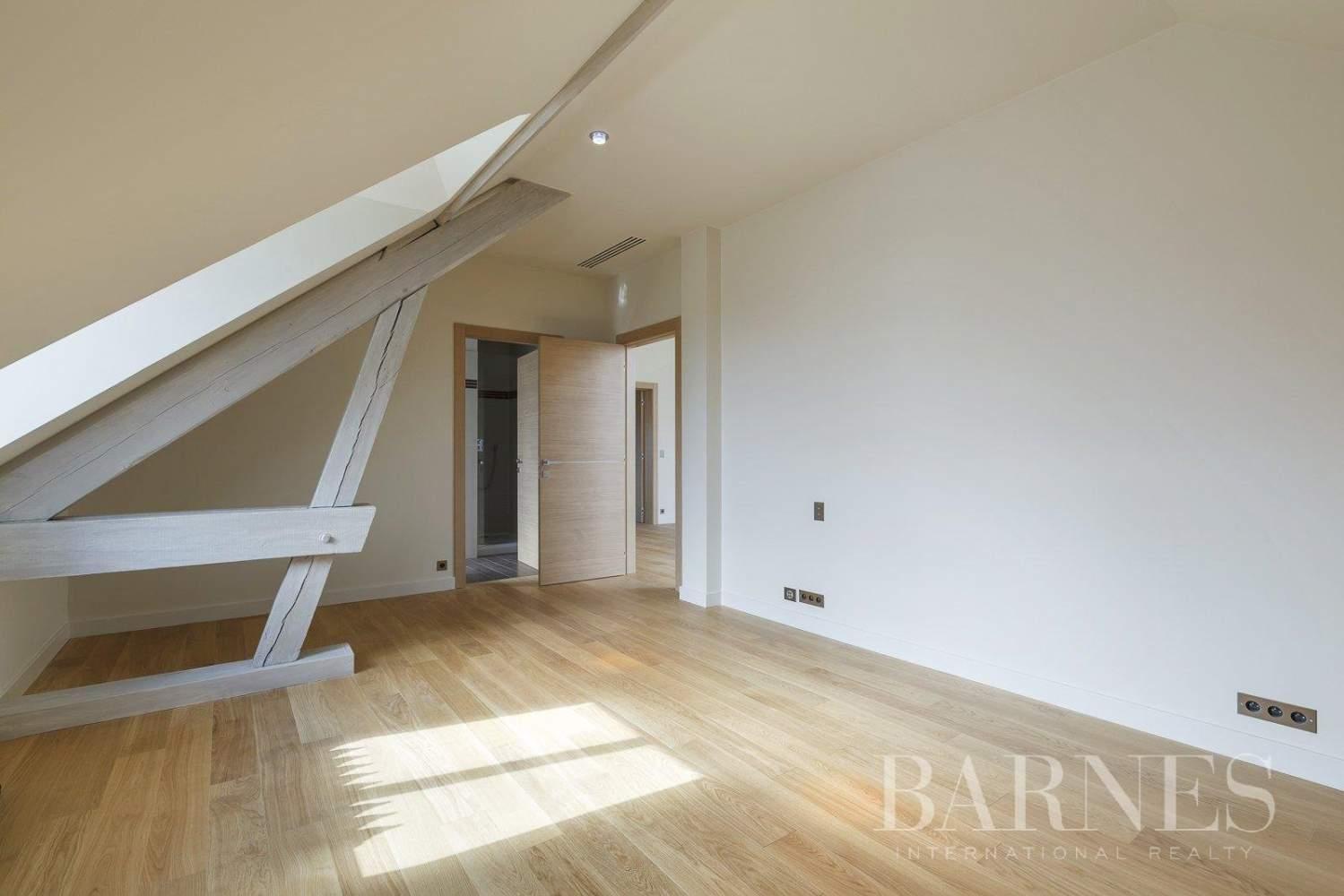 Saint-Germain-en-Laye  - Appartement 8 Pièces 6 Chambres - picture 9