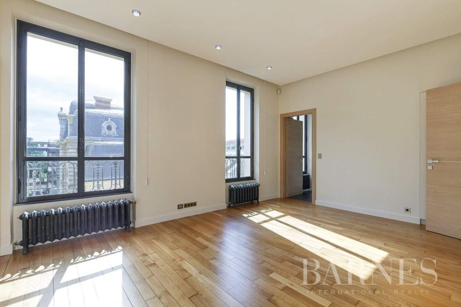 Saint-Germain-en-Laye  - Appartement 8 Pièces 6 Chambres - picture 8