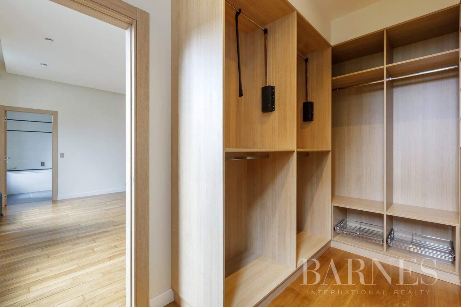 Saint-Germain-en-Laye  - Appartement 8 Pièces 6 Chambres - picture 14