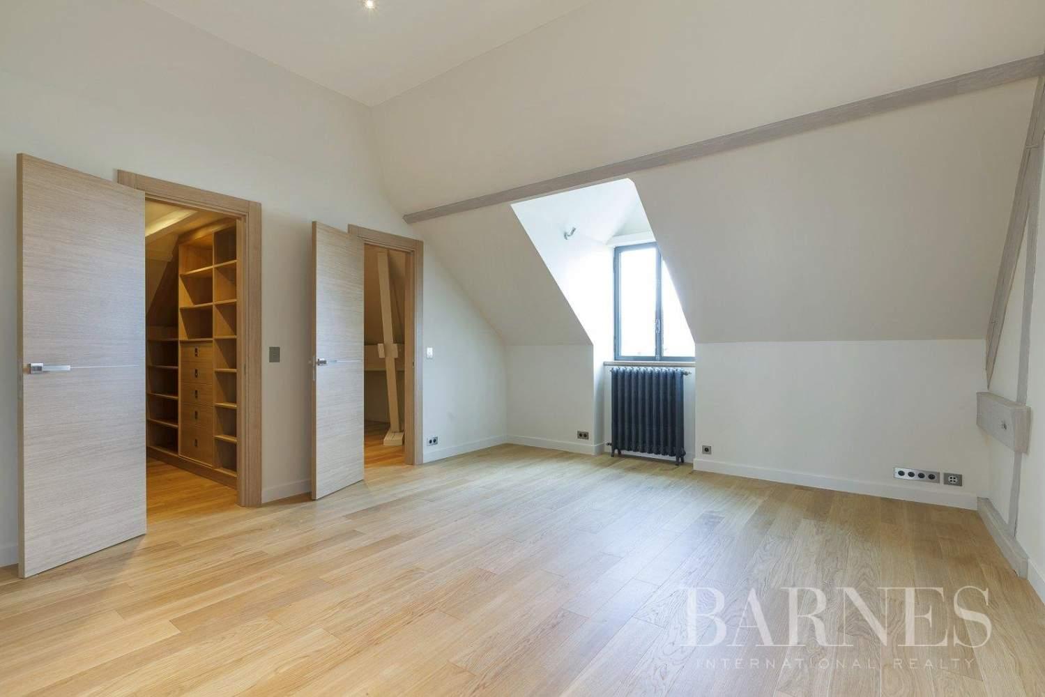 Saint-Germain-en-Laye  - Appartement 8 Pièces 6 Chambres - picture 17