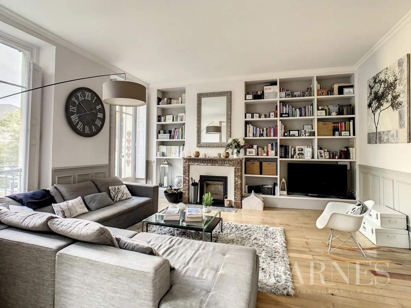 Versailles  - Appartement 6 Pièces 3 Chambres - picture 3