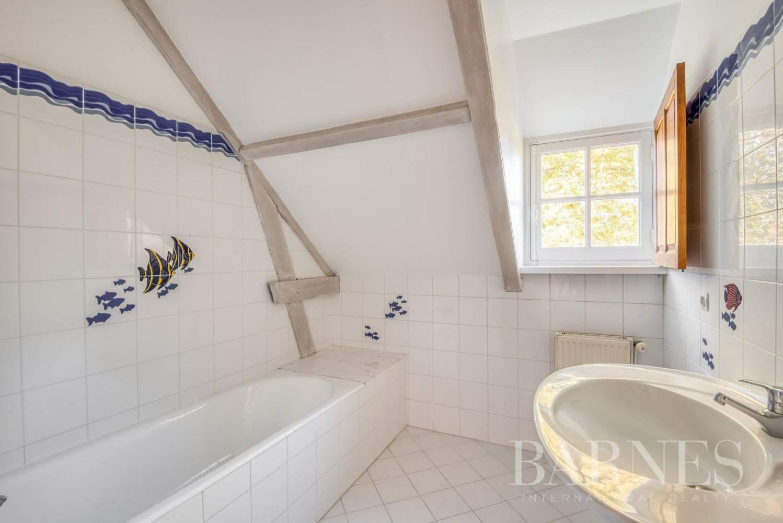 Garches  - Maison 9 Pièces 5 Chambres - picture 11