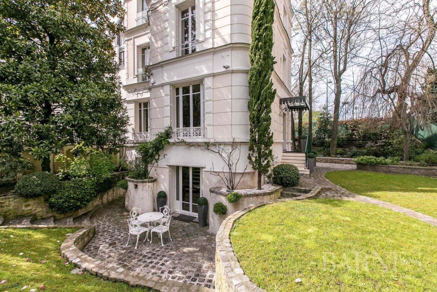 Paris  - Hôtel particulier 10 Pièces 5 Chambres - picture 12