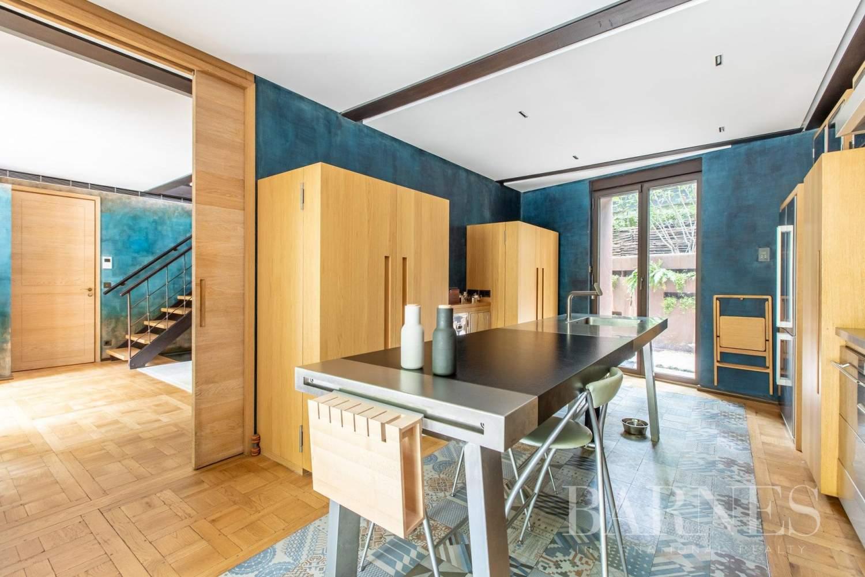Paris  - Hôtel particulier 9 Pièces 4 Chambres - picture 11