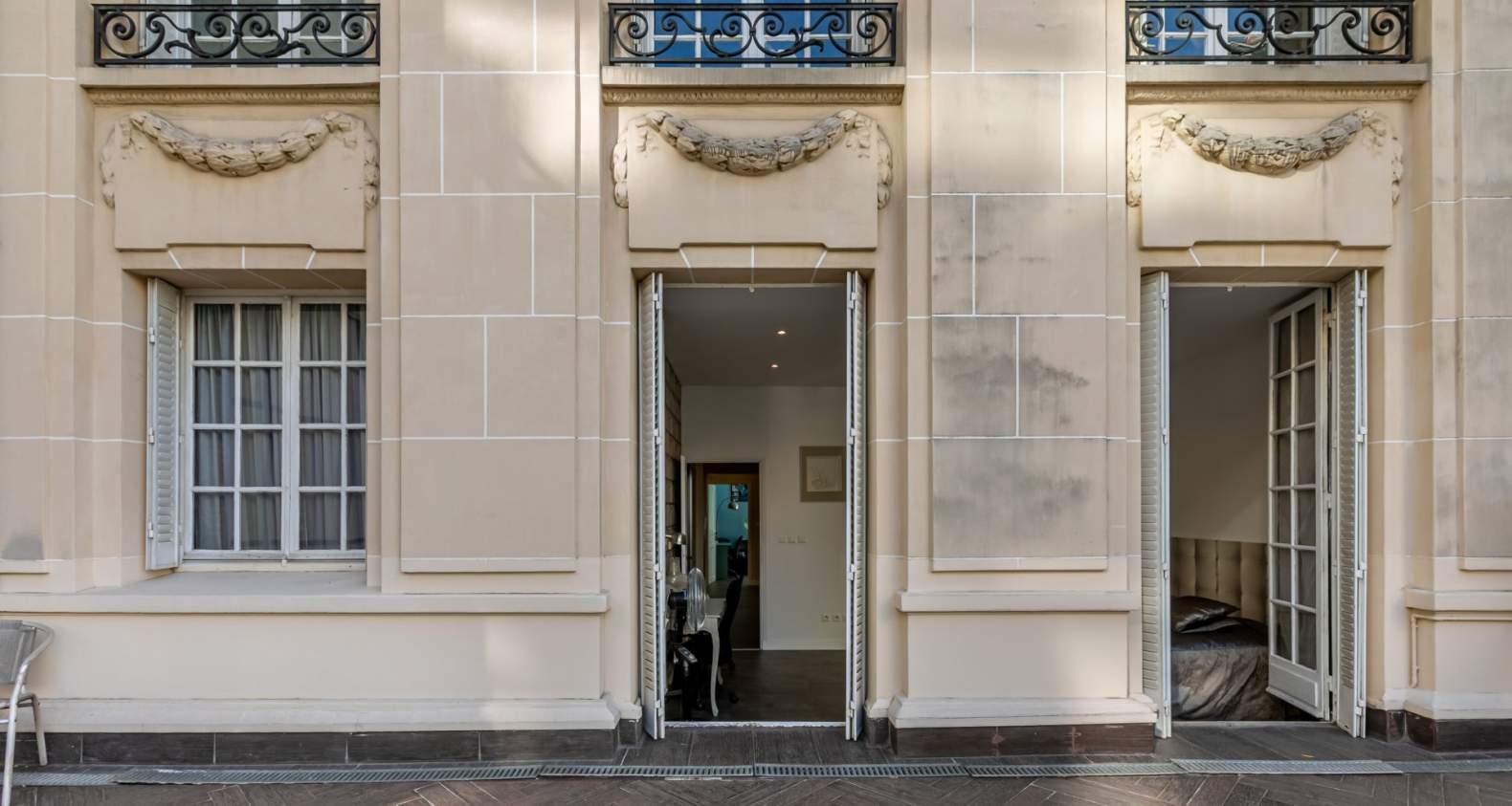 Paris  - Hôtel particulier 9 Pièces 6 Chambres - picture 2