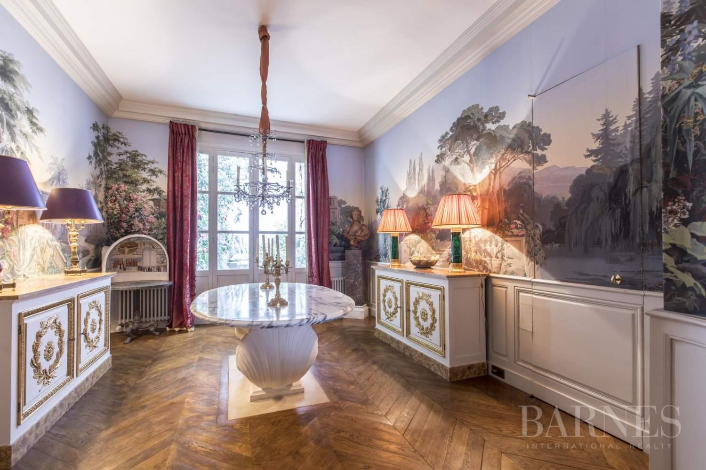 Paris  - Hôtel particulier 8 Pièces 4 Chambres - picture 5