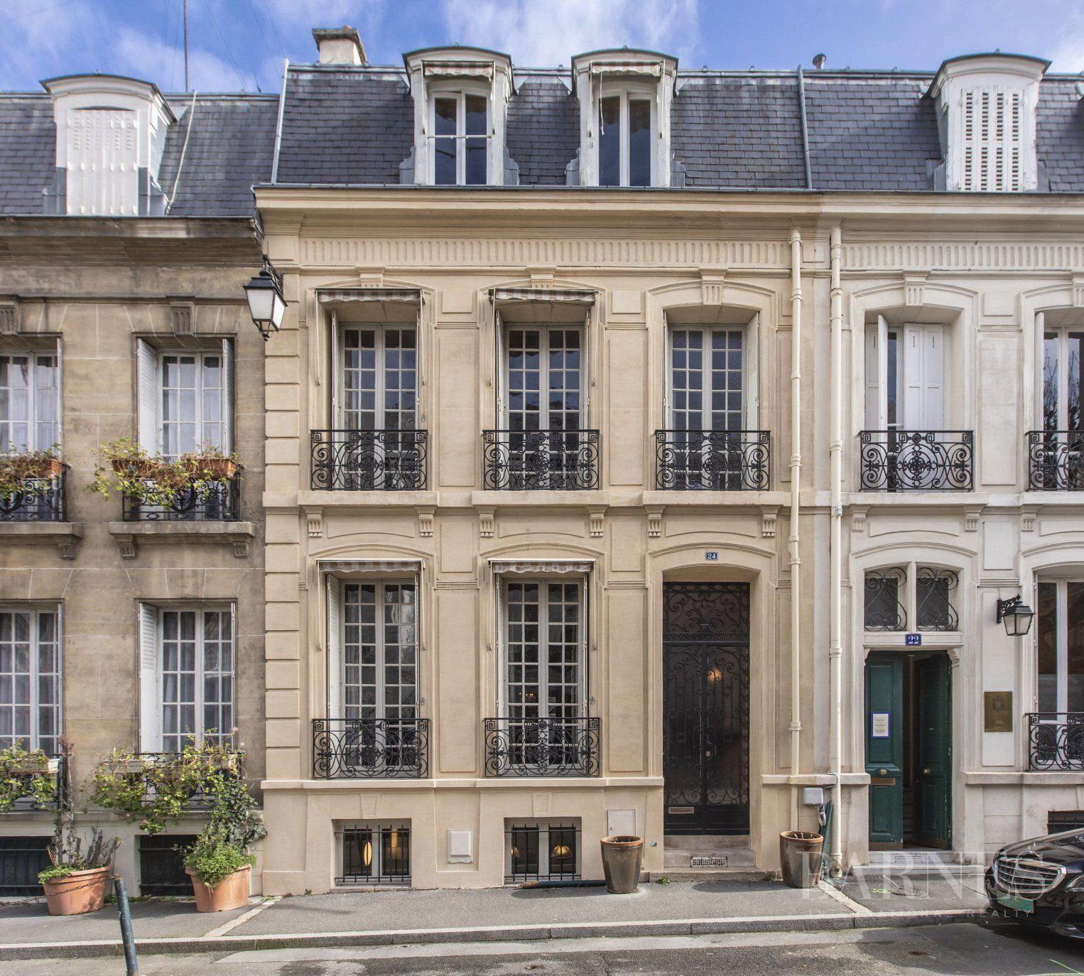 Paris  - Hôtel particulier 8 Pièces 4 Chambres - picture 1