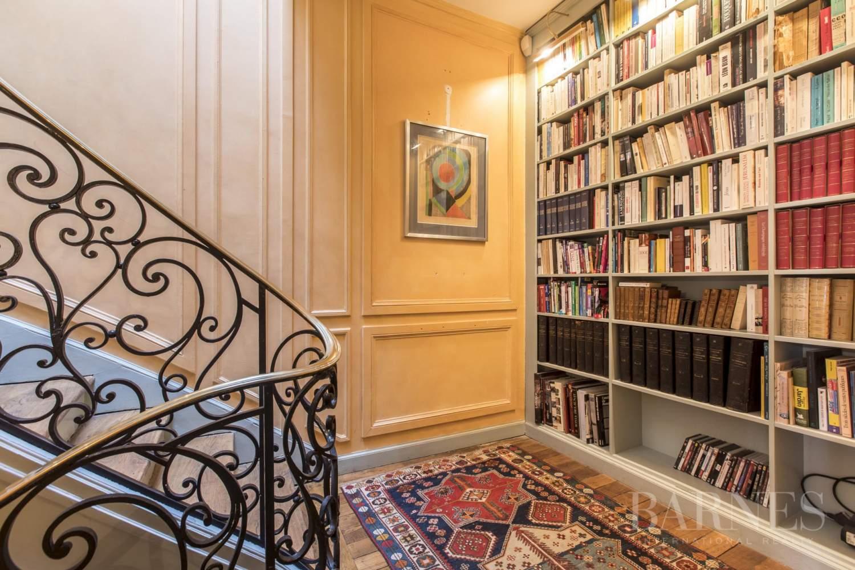 Paris  - Hôtel particulier 8 Pièces 4 Chambres - picture 8