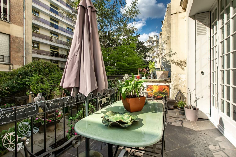 Paris  - Hôtel particulier 9 Pièces 6 Chambres - picture 4