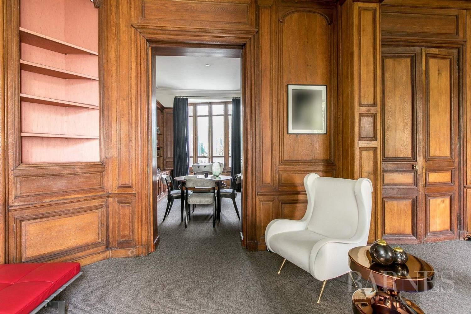 Paris  - Hôtel particulier 10 Pièces 5 Chambres - picture 5