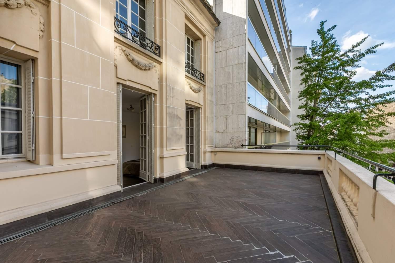 Paris  - Hôtel particulier 9 Pièces 6 Chambres - picture 1