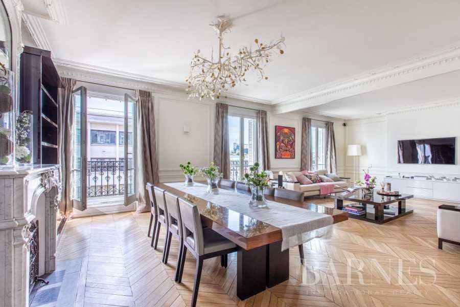Paris  - Apartment 5 Bedrooms