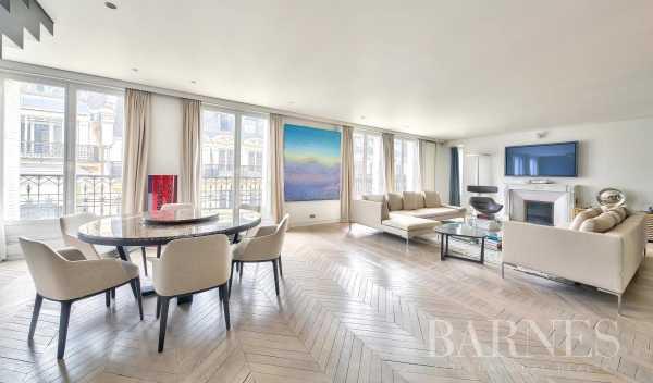 Apartment Paris 75008  -  ref 5697014 (picture 1)