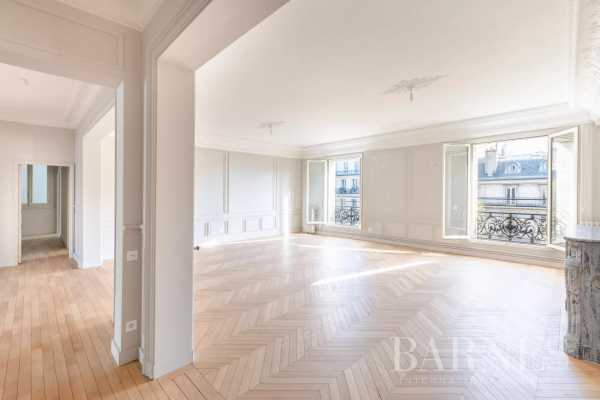 Apartment Paris 75008  -  ref 4390134 (picture 1)