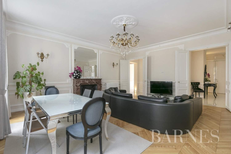 Paris  - Appartement 6 Pièces 5 Chambres - picture 2