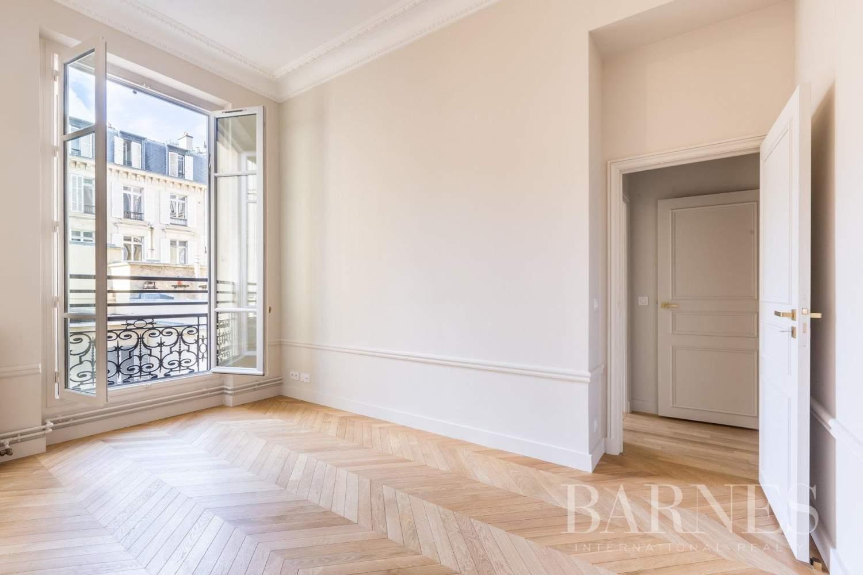 Paris  - Apartment 4 Bedrooms - picture 12