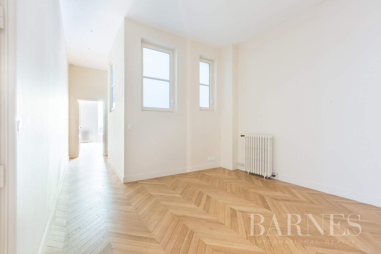 Paris  - Apartment 4 Bedrooms - picture 18