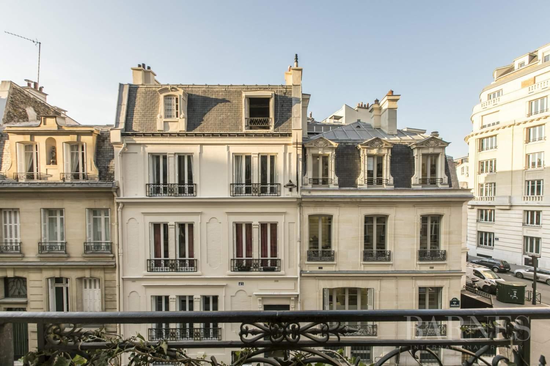 EXCLUSIVITÉ - PARIS 17 - CHAZELLES/ MONCEAU - APPARTEMENT 4 CHAMBRES BALCON FILANT picture 15