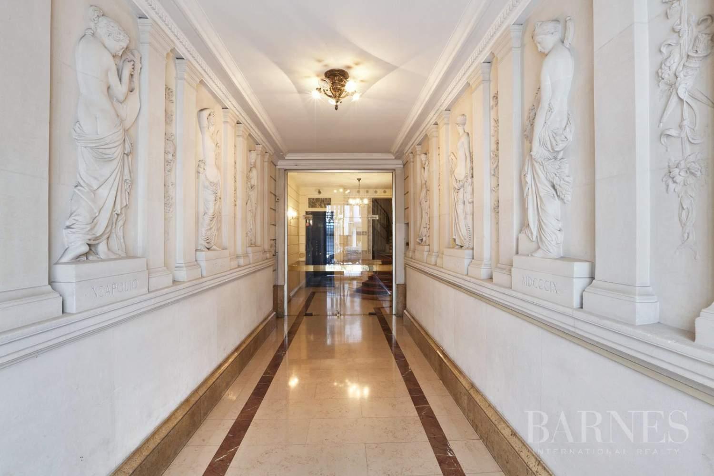 Paris  - Appartement 7 Pièces 5 Chambres - picture 13