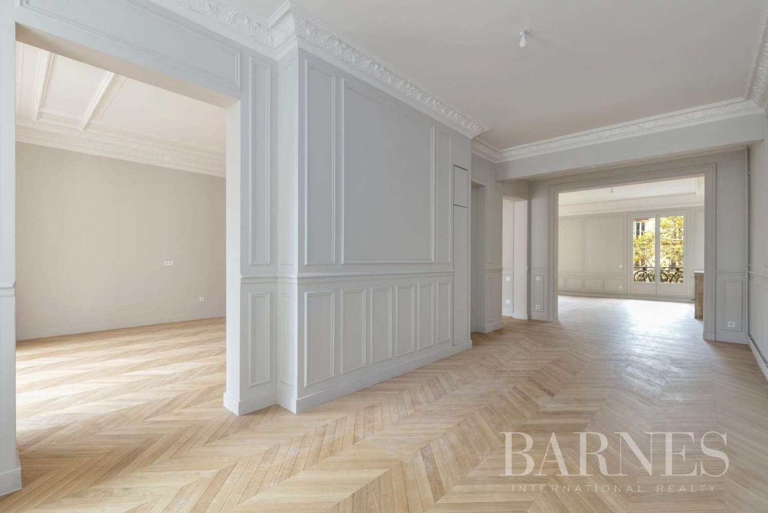 Paris  - Apartment 4 Bedrooms - picture 1