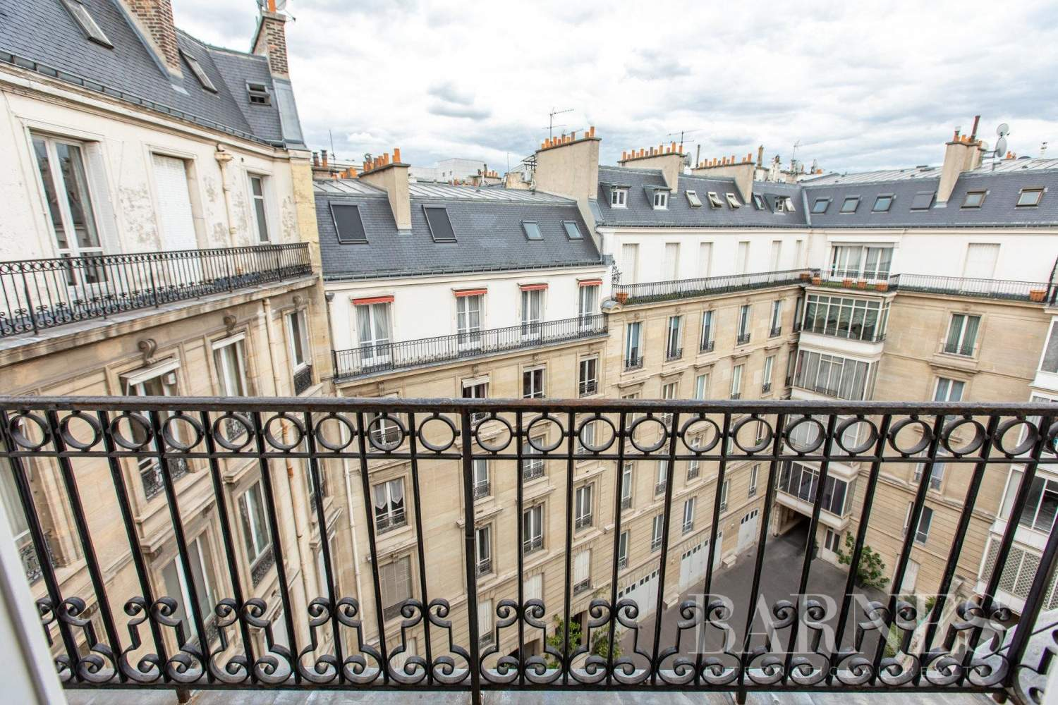 Paris  - Apartment 3 Bedrooms - picture 12