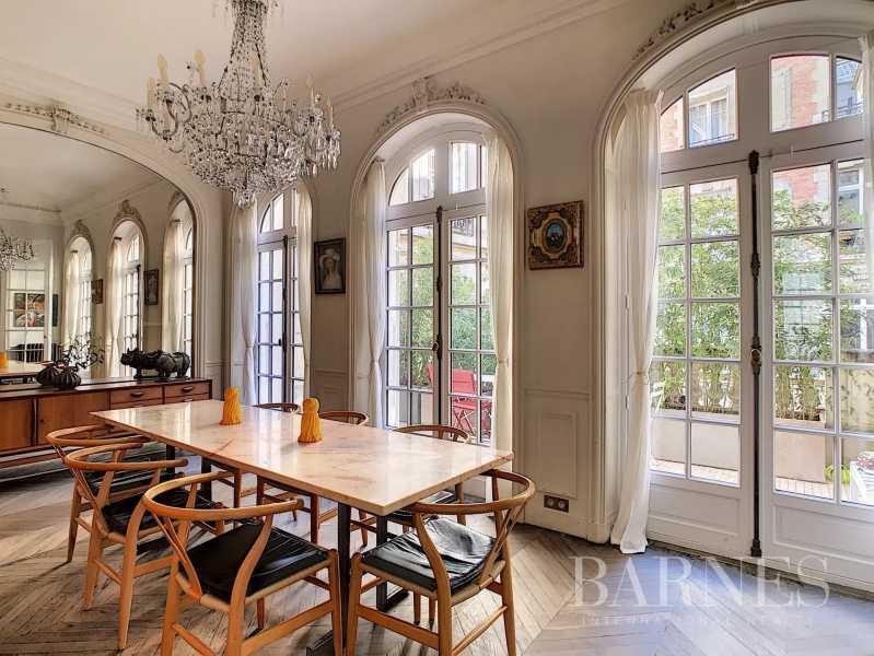 Paris  - Mansion 6 Bedrooms