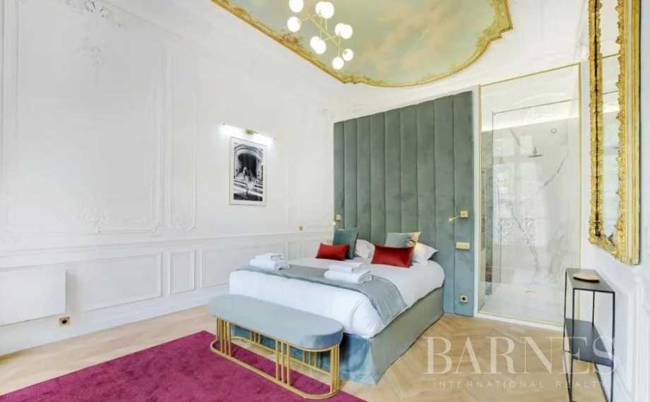 Paris  - Piso 5 Cuartos 4 Habitaciones