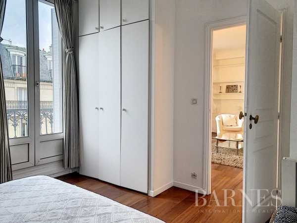 Apartment Paris 75008  -  ref 2771143 (picture 3)