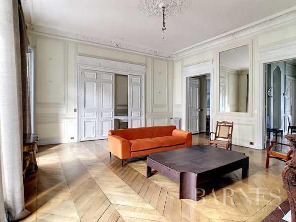 Appartement Paris 75008  -  ref 5895300 (picture 2)