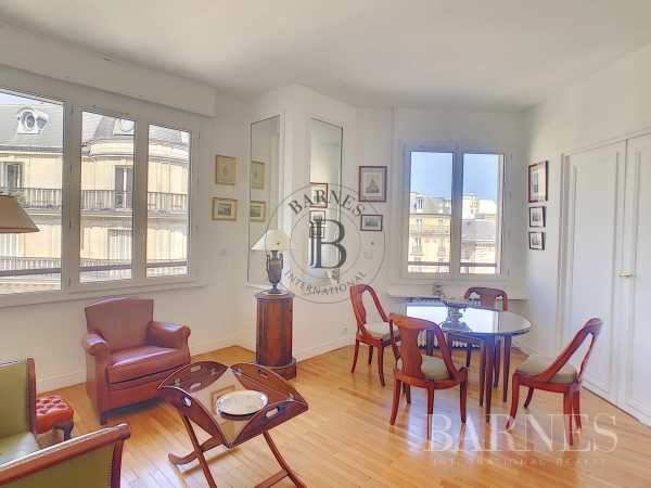 Appartement Paris 75008  -  ref 2767540 (picture 2)