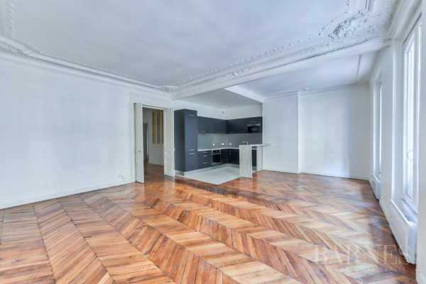 Appartement Paris 75008  -  ref 3468563 (picture 2)