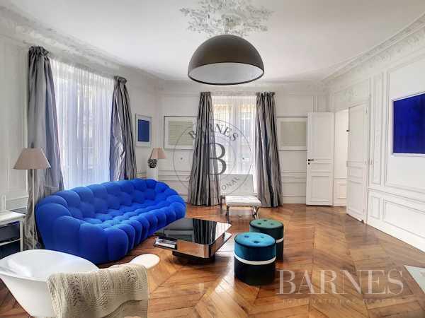 Appartement Paris 75008  -  ref 5843859 (picture 2)