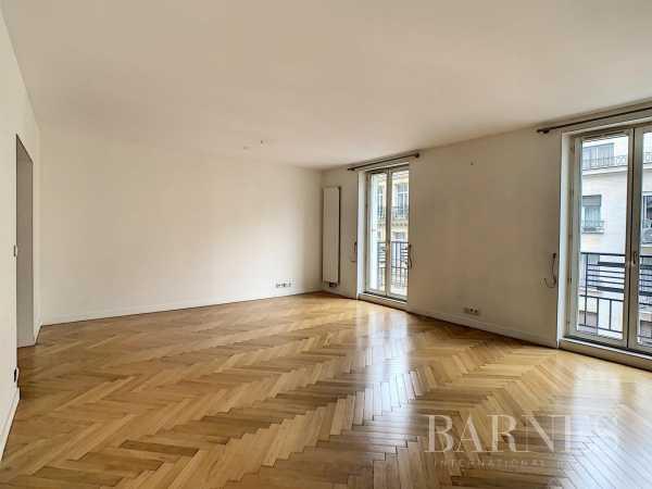 Appartement Paris 75008  -  ref 5838856 (picture 1)