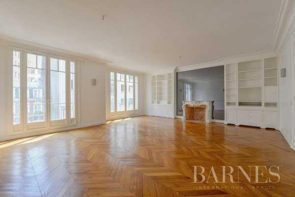 Appartement Paris 75008  -  ref 2767581 (picture 1)