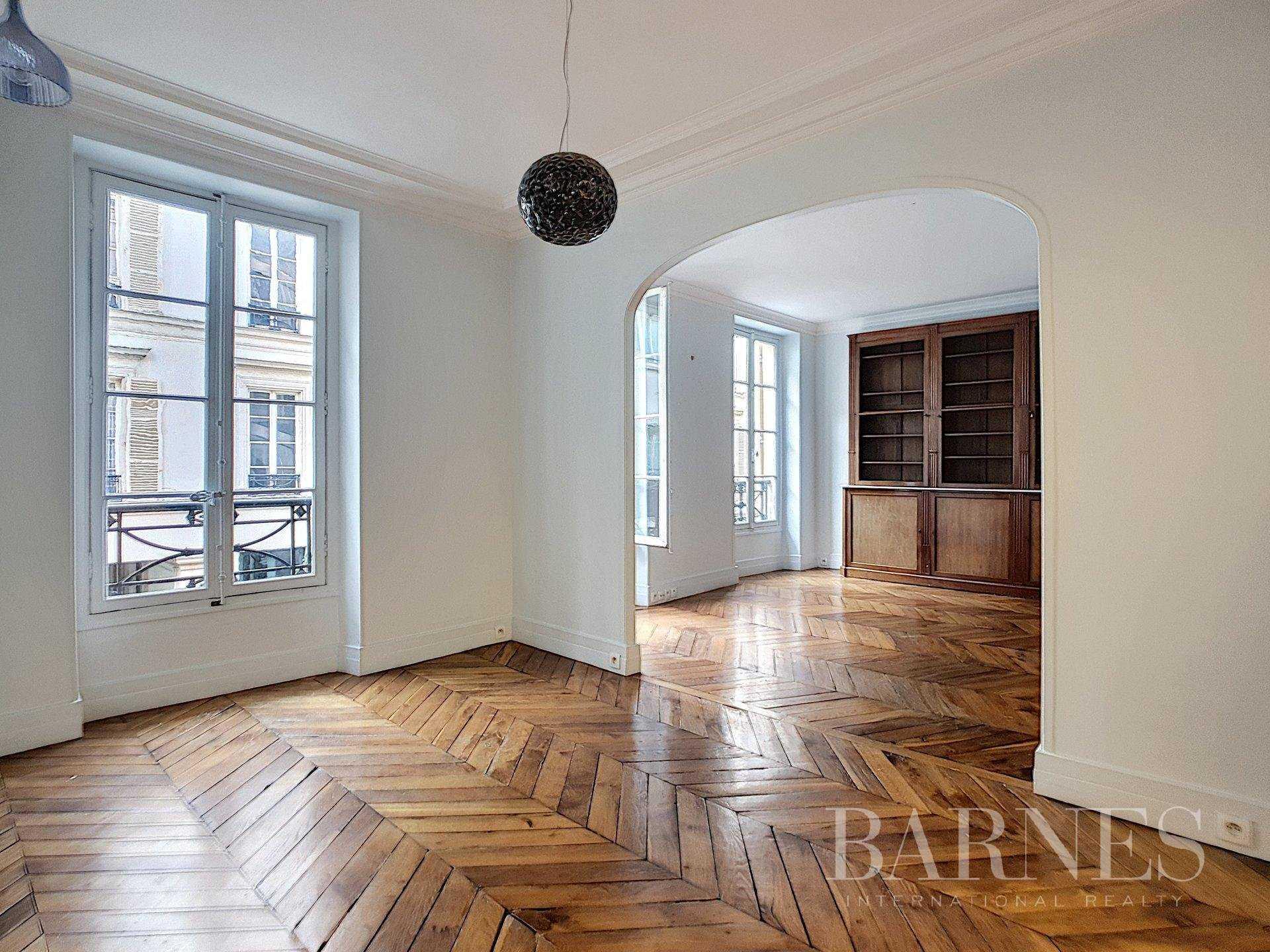Appartement Paris 75008  -  ref 4364003 (picture 2)