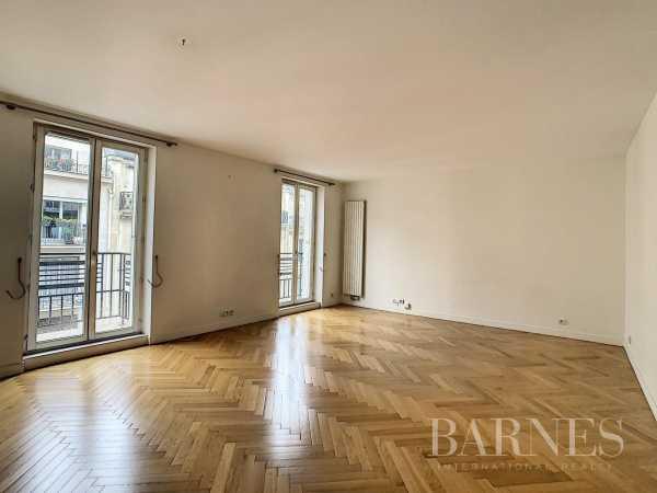 Appartement Paris 75008  -  ref 5838856 (picture 3)