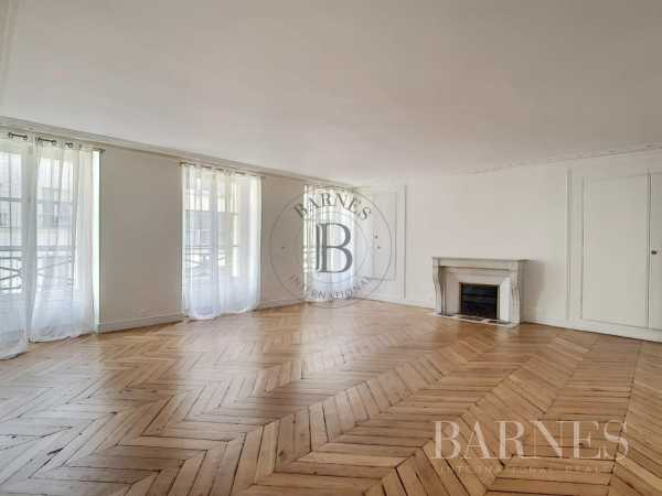 Appartement Paris 75008  -  ref 5212445 (picture 1)