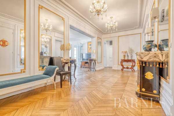 Appartement Paris 75008  -  ref 5581628 (picture 1)