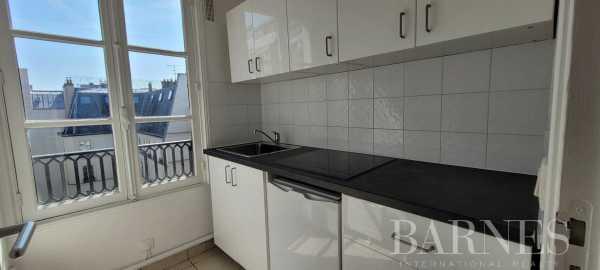 Appartement Paris 75008  -  ref 5963262 (picture 2)