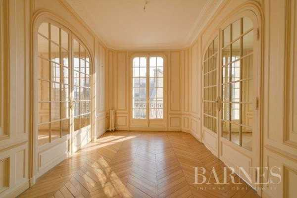 Appartement Paris 75008  -  ref 2765938 (picture 2)