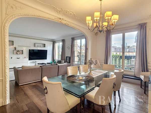 Apartment Paris 75008  -  ref 5410963 (picture 1)