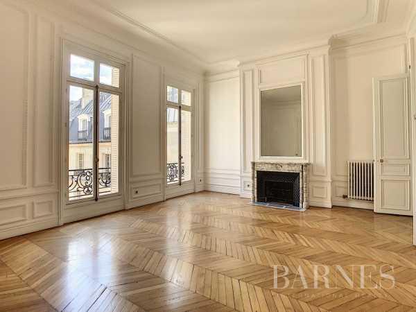 Apartment Paris 75008  -  ref 4073948 (picture 2)
