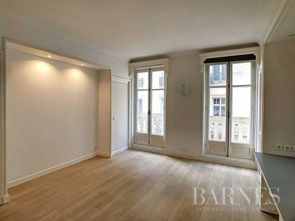 Apartment Paris 75008  -  ref 4421854 (picture 1)